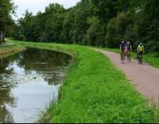 La ville de SAINT-AMAND Montrond et Cœur de France ont divers projets d'aménagements pour le Canal de Berry à vélo