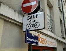 Le double sens cyclable en agglomération : principe et avantages pour le cycliste