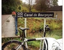 Vierzon Rando Loisirs à vélo le long du canal de Bourgogne