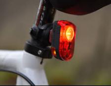 Sécurité : Feux arrière de vélo, attention aux fausses informations