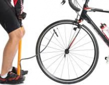 Gonfler ses pneus de vélo à la bonne pression